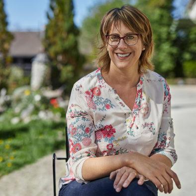 Francine Huggler votre hôtesse à La Forge de Diogne